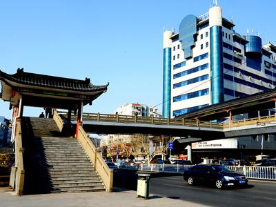 杭州路过街天桥
